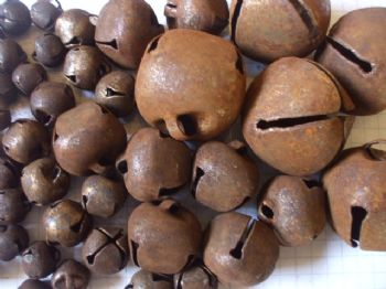 Rusty Tin Jingle bells  10mm 13mm 20mm 30mm choice of size